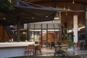 Humpback Cafe - Whale HuaHin